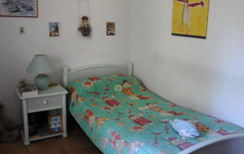 Location de vacances - Chambre d'hôtes à Mougins - deuxième chambre un couchage .