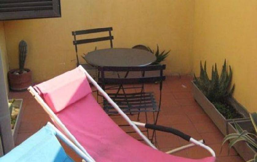 Location de vacances - Studio à Rione III Colonna - transat sur la terrasse