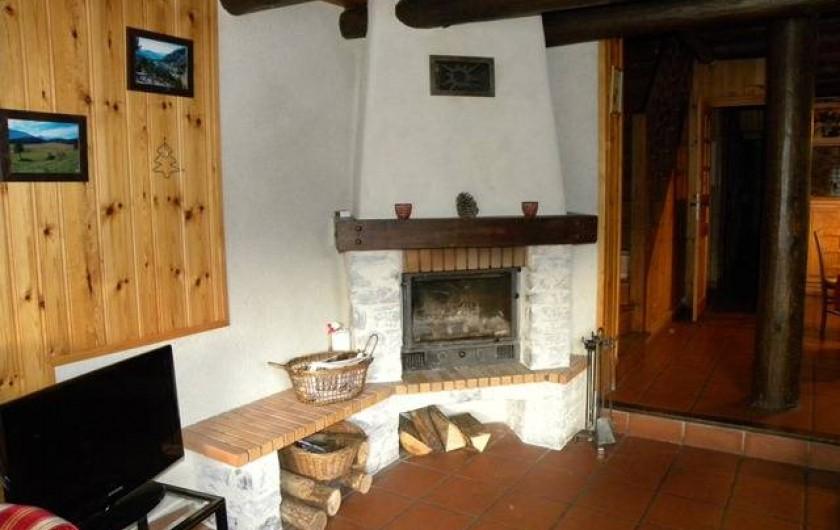 Location de vacances - Chalet à Champagny-en-Vanoise - Coin cheminée bonnes flambées en perspective...
