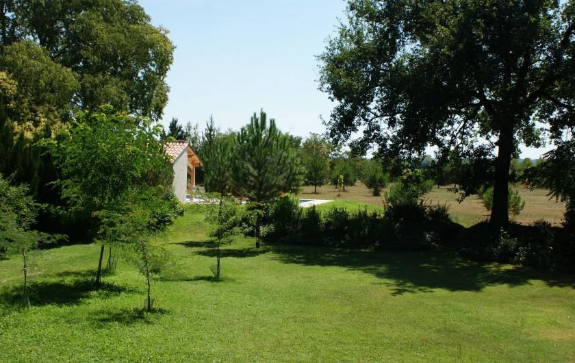 Location de vacances - Chambre d'hôtes à Saint-Léger - Le parc, vue depuis une chambre