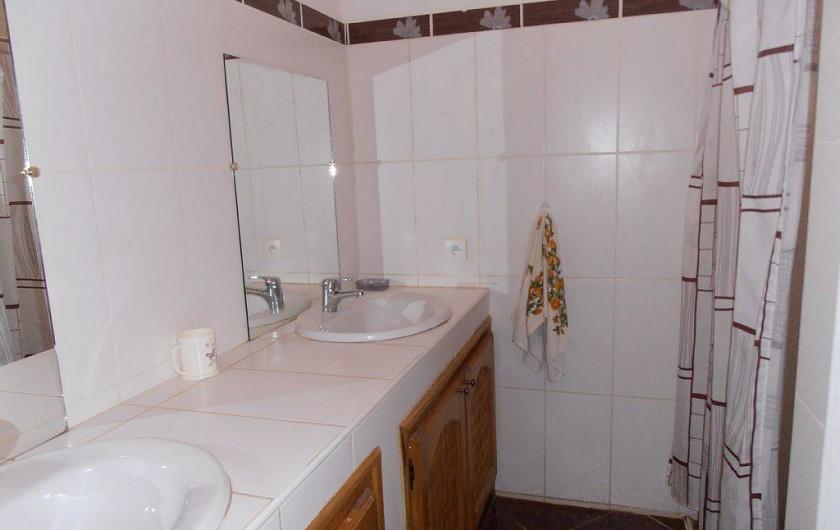 Location de vacances - Villa à Somone - une des 3 salles de bain