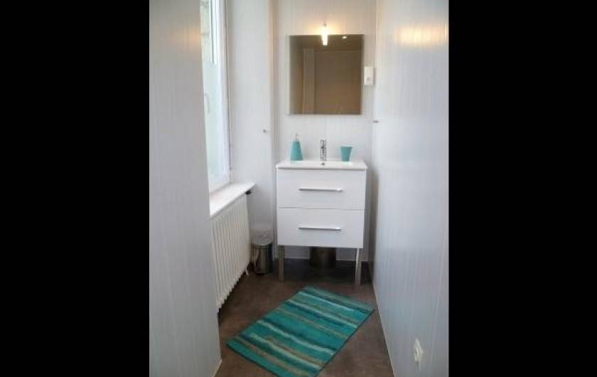 Location de vacances - Chambre d'hôtes à Guilvinec - Salle de douche/wc 1er étage