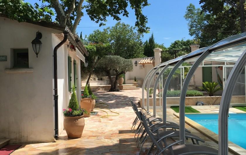 Location de vacances - Villa à Uzès - Chambre avec douche et toilettes