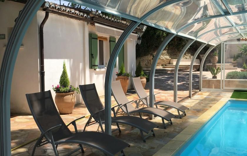 Location de vacances - Villa à Uzès - Studio face à la piscine