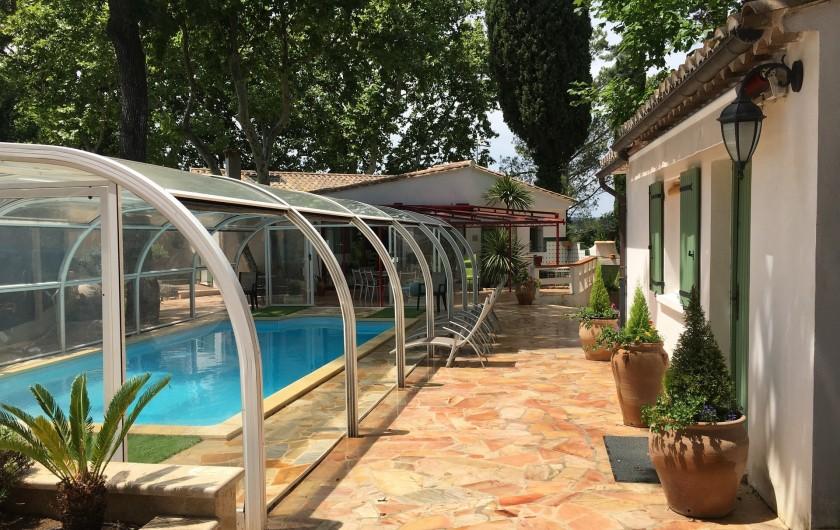 Location de vacances - Villa à Uzès - Piscine studio