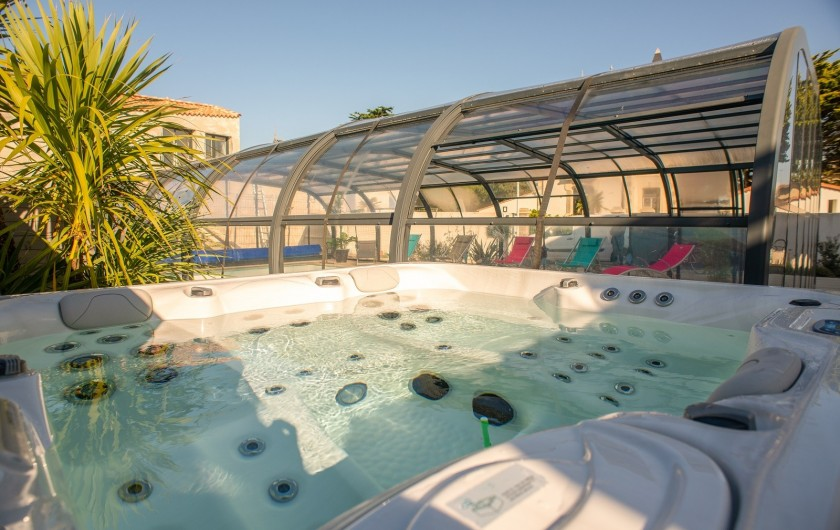 Location de vacances - Villa à Saint-Gilles-Croix-de-Vie - NOTRE SPA PRIVATIF