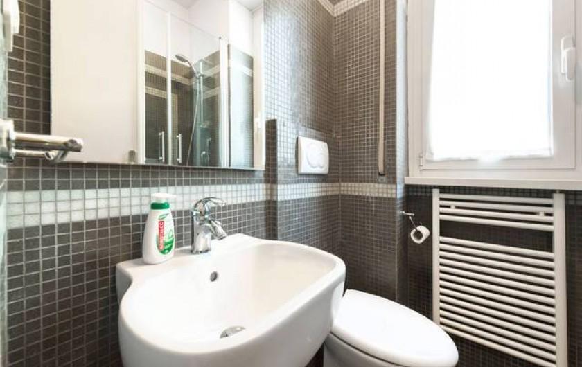 Location de vacances - Appartement à Rome - Petite salle de bain