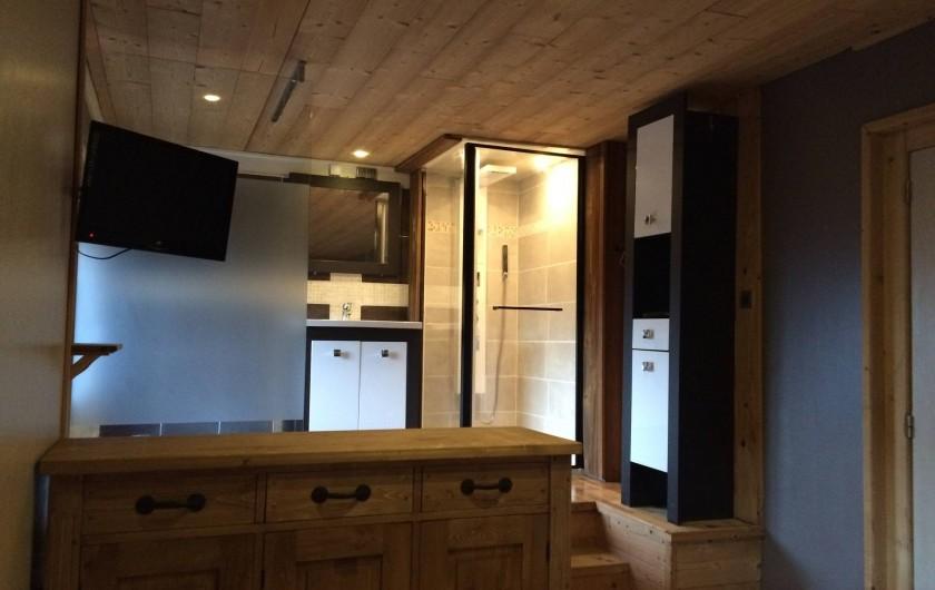 Location de vacances - Appartement à Saint-Gervais-les-Bains - salle de bain de la suite parentale