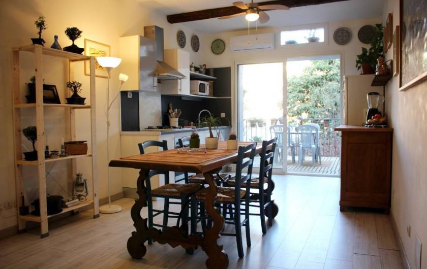 Location de vacances - Maison - Villa à Mèze - cuisine au premier étage