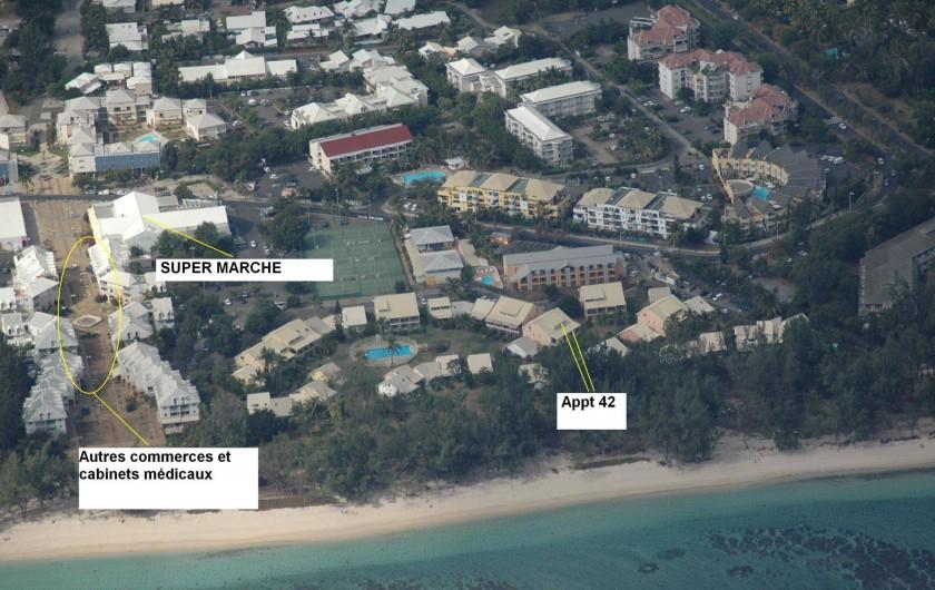 Location de vacances - Appartement à Saint-Gilles les Bains - situation de l'appartement