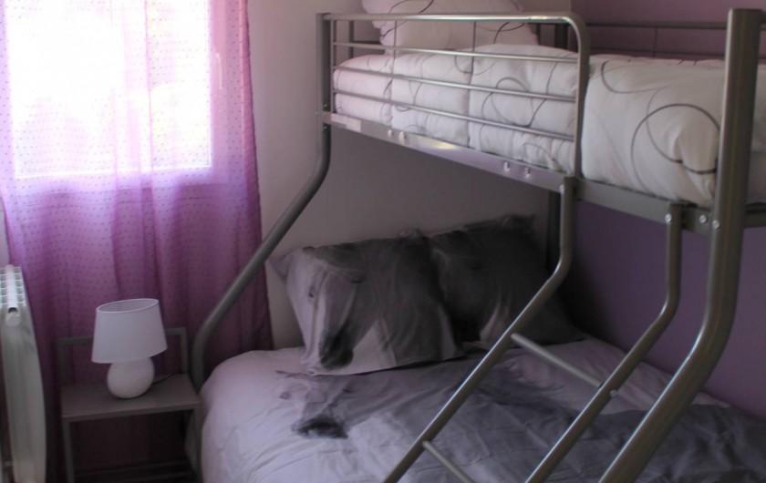 Location de vacances - Maison - Villa à Robion - Chambre avec lit superposé