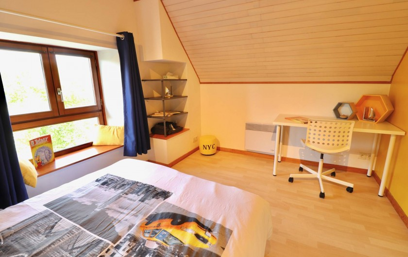 Location de vacances - Villa à Matignon - Chambre jaune 2e étage avec bureau