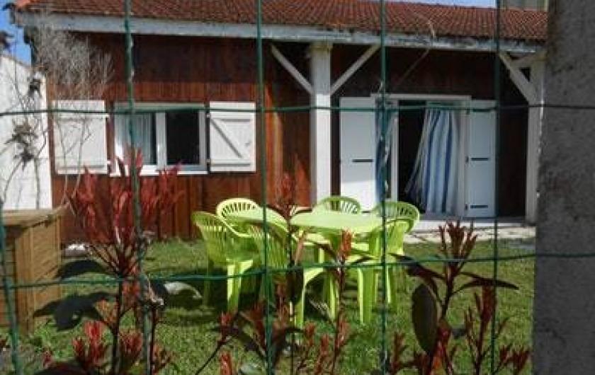 Location de vacances - Villa à Gujan-Mestras - table de jardin