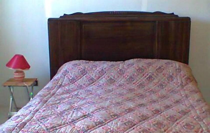 Location de vacances - Villa à Gujan-Mestras - chambre 1: lit double