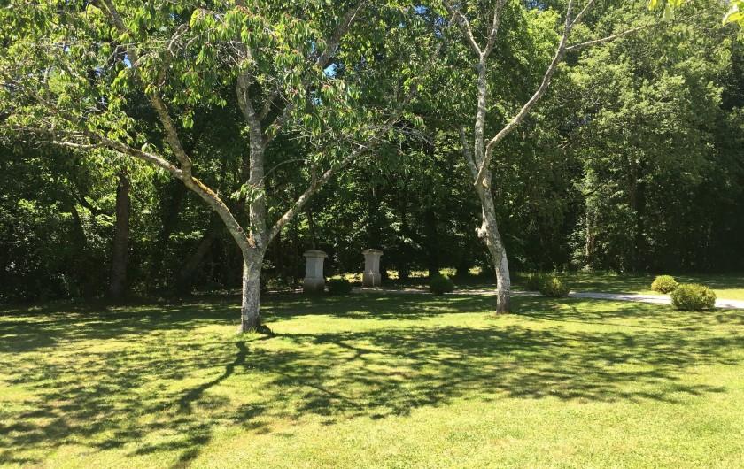 Villa Avec Piscine A Debordement 7 Personnes Pres De Bergerac En
