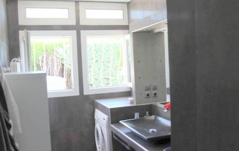 Location de vacances - Villa à Saint-Cyr-sur-Mer - Salle de bain
