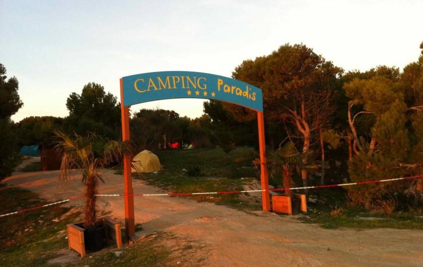 Location de vacances - Appartement à Martigues - Nous sommes à proximité du tournage de la série Camping Paradis