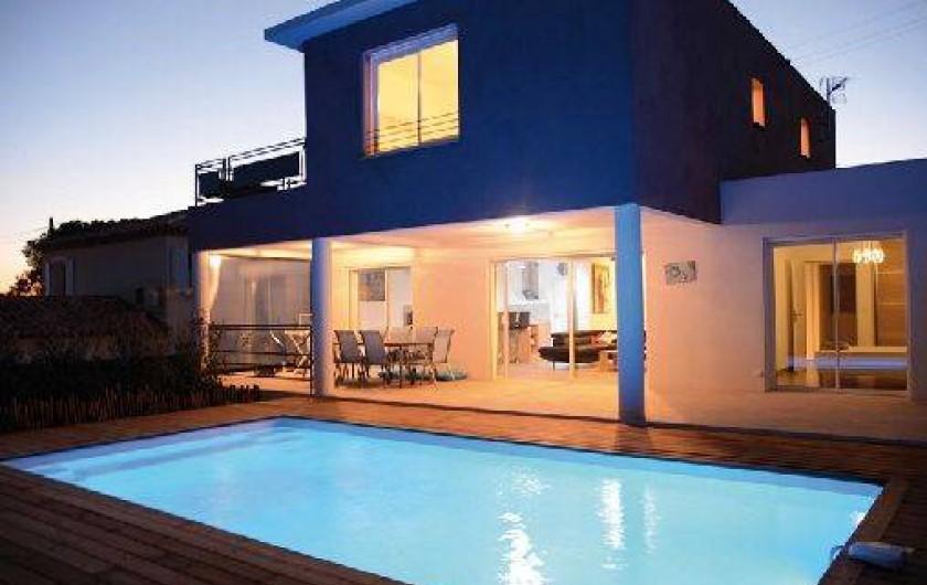 Villa aloha fr jus villa contemporaine avec piscine for Location villa cote d azur piscine
