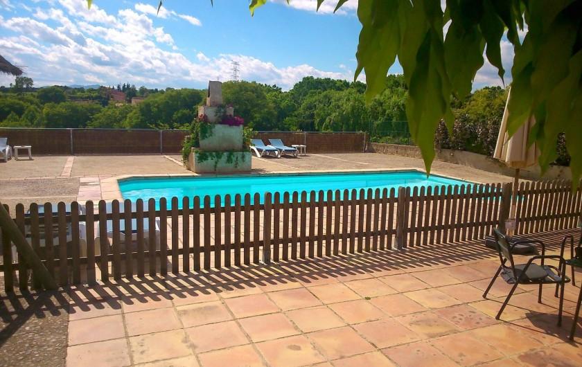 Location de vacances - Gîte à Llampaies - Piscine protégée pour adultes et piscine enfants de Can Gat Vell