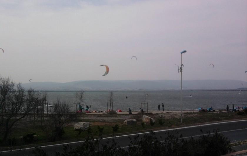 Location de vacances - Maison - Villa à Frontignan - ve de la maison sur l'etang, spot de kitesurfs et planches a voile