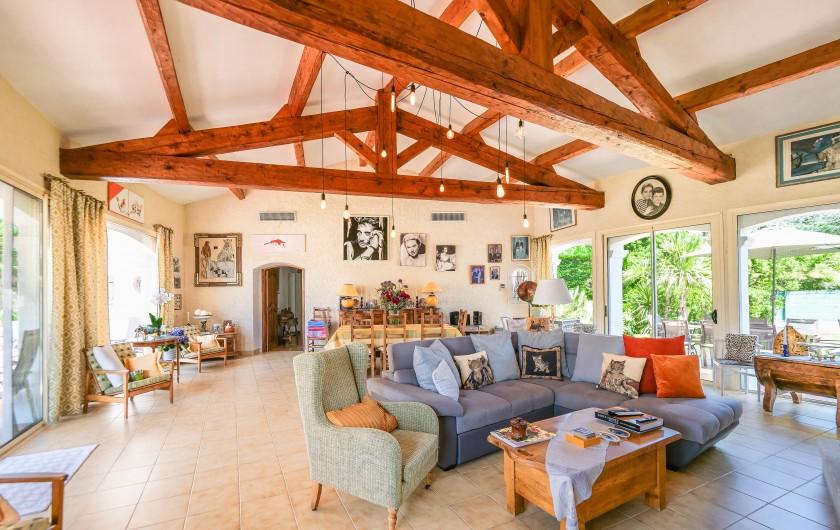 Location de vacances - Villa à Saint-Tropez - Porte d'entrée