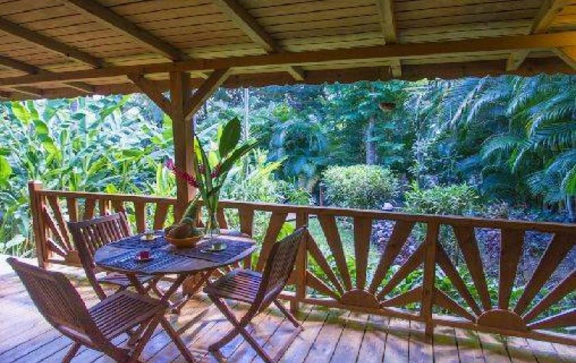 Location de vacances - Cabane dans les arbres à Deshaies - Case créole en bois sans vis à vis