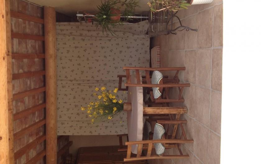 Location de vacances - Maison - Villa à Richerenches - abris extérieur