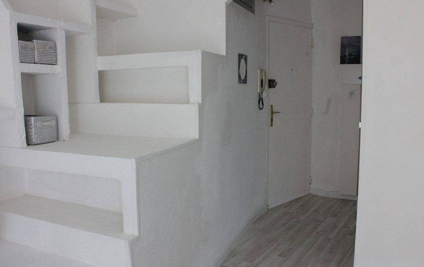 Location de vacances - Studio à L'Isle-sur-la-Sorgue - Le hall d'entrée
