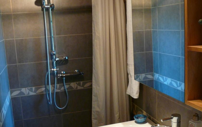 Location de vacances - Gîte à Nîmes - Salle de douche