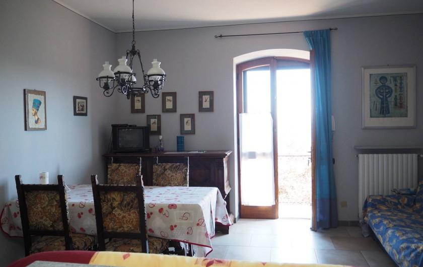 Location de vacances - Appartement à Verduno - Sejour Azzurro