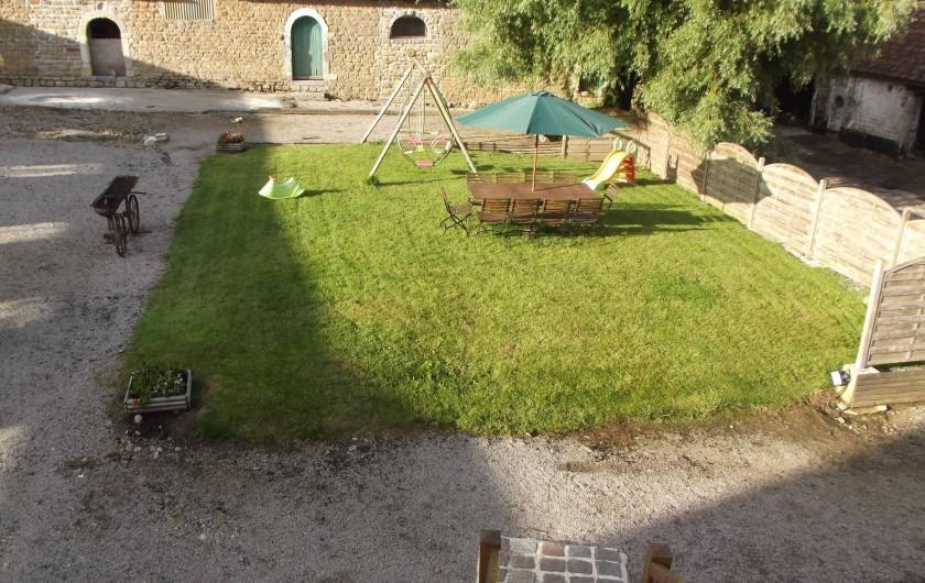 Location de vacances - Insolite à Baincthun - Vue d'ensemble du jardin