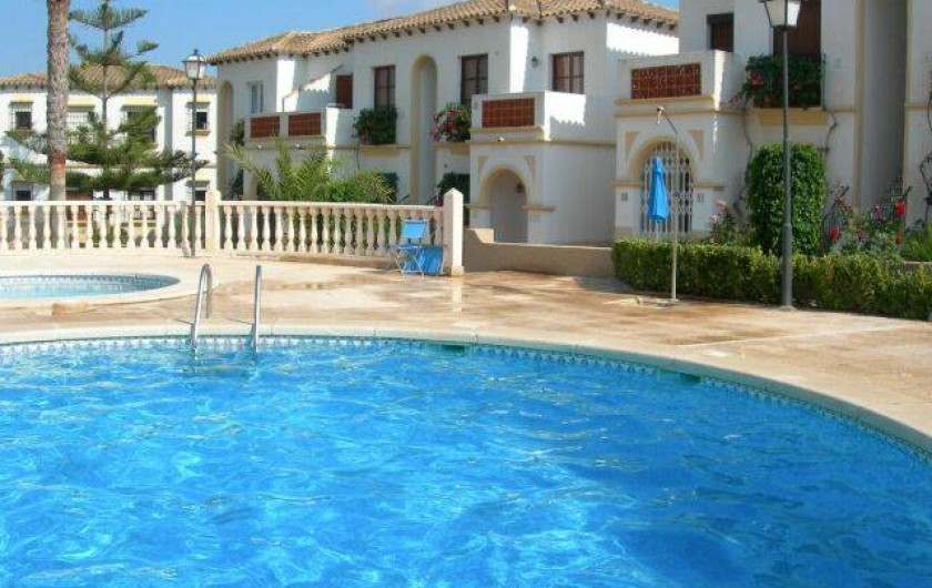 Location de vacances - Appartement à Torrevieja - Piscines