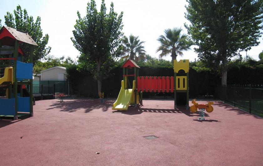 Location de vacances - Bungalow - Mobilhome à Saint-Aygulf - plaine de jeu pour enfants