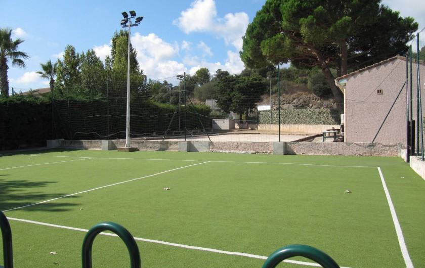 Location de vacances - Bungalow - Mobilhome à Saint-Aygulf - terrain de volley