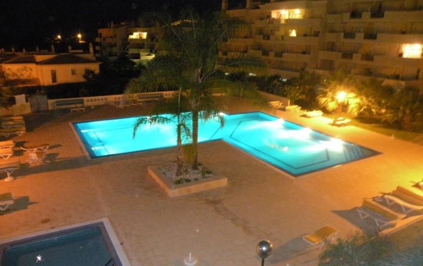Location de vacances - Appartement à Albufeira - PISCINE ECLAIREE LA NUIT