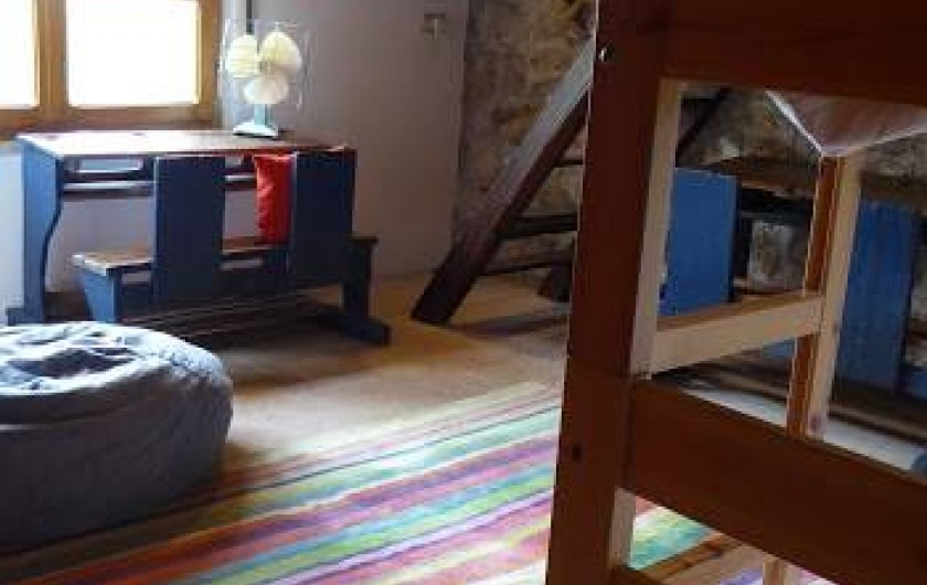 Location de vacances - Maison - Villa à Marano di Valpolicella - Chambre d'enfants avec lits superposés (3), 2 lavabos et une douche autonome