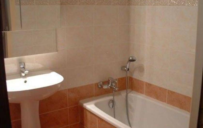 Location de vacances - Appartement à Manigod - une salle de bain