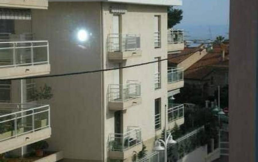 Location de vacances - Appartement à Saint-Raphaël - Aperçu mer de la chambre 2