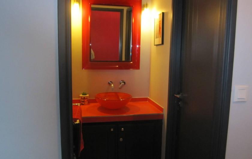Location de vacances - Appartement à Saint-Raphaël - Coin lavabo et acces WC