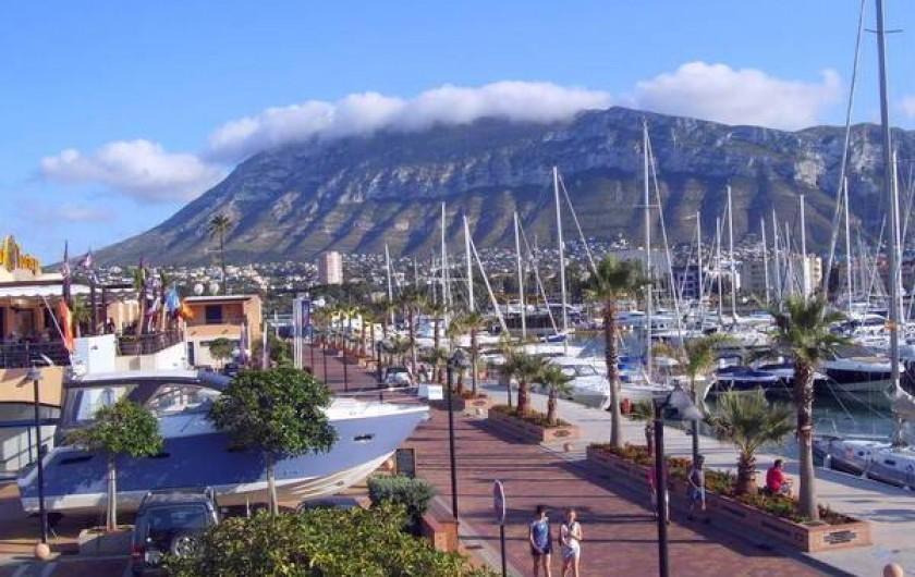 Location de vacances - Villa à Dénia - LePort ert MONTGO en arriere plan