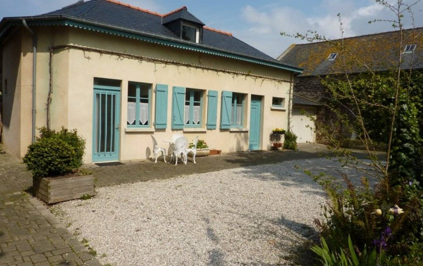 Location de vacances - Maison - Villa à Saint-Malo - Façade plein sud sur la cour