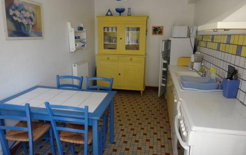 Location de vacances - Maison - Villa à Saint-Malo - Cuisine avec tout le matériel nécessaire