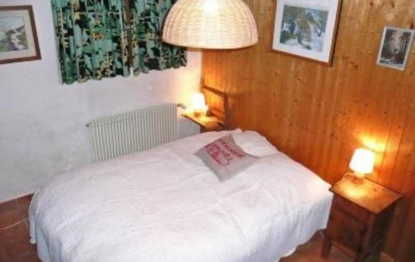 Location de vacances - Chalet à Saint-Gervais-les-Bains - Chambre avec lit double