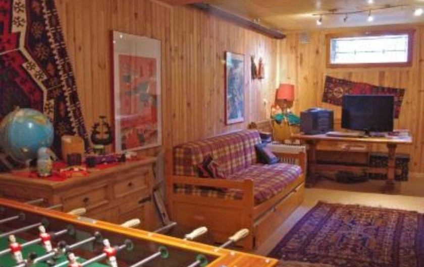 Location de vacances - Chalet à Saint-Gervais-les-Bains - Salle de jeux avec canapé-lit