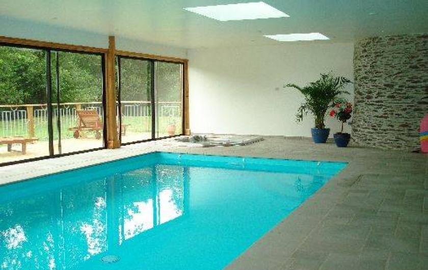 G te de charme en bretagne avec piscine int rieure et spa - Gite avec piscine bretagne ...