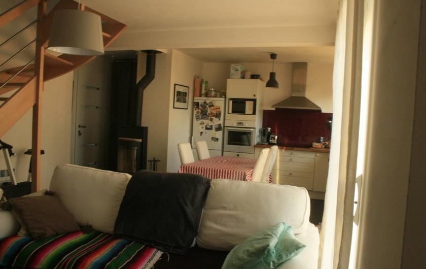 Location de vacances - Maison - Villa à Pluneret - le séjour salon avec canapé 3 places convertible