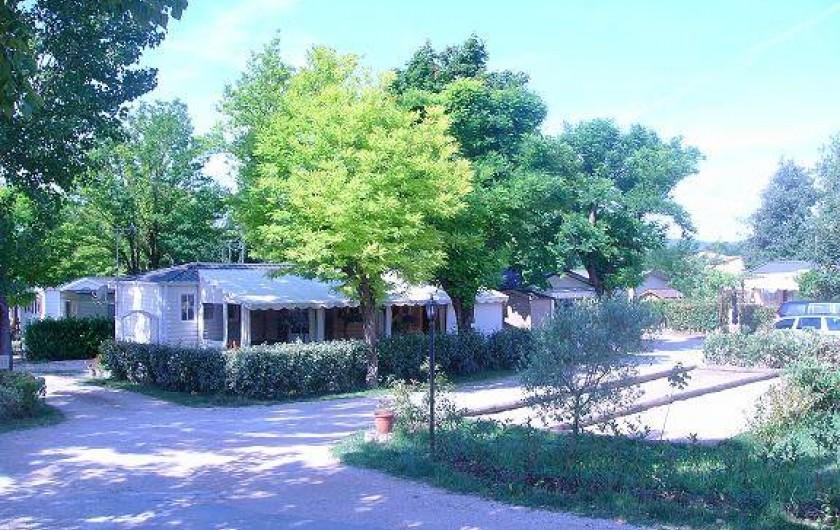 Location de vacances - Bungalow - Mobilhome à Tourrettes - TERRAIN DE PÉTANQUE ET COIN DÉTENTE