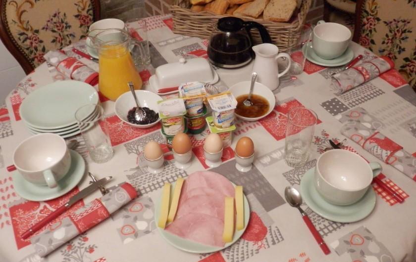 Location de vacances - Chambre d'hôtes à Lebiez - Petit Déjeuner copieux