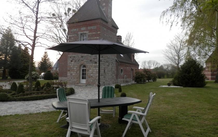 Location de vacances - Chambre d'hôtes à Lebiez - Salon de jardin