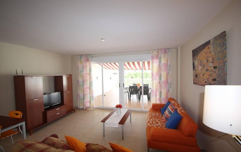 Location de vacances - Appartement à Oropesa del Mar - Séjour/salle à manger. Atico